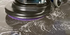 Reinigung Industrieboden mit Padmaschine